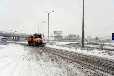 e17e9a4e454f Κρύο και παγωνιά σε όλη τη χώρα - Χιονίζει στο ορεινά - Χιόνια και στην  Πάρνηθα - Προβλήματα ηλεκτροδότησης σε χωριά της Γορτυνίας
