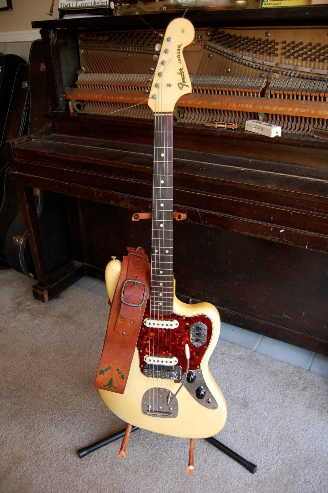 the true vintage guitar blog 1965 fender jaguar in olympic white. Black Bedroom Furniture Sets. Home Design Ideas