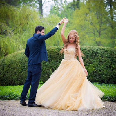 robe de mariée jaune princesse bustier coeur