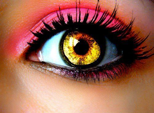 Cell Phone Wallpapers: Beautiful Eyes close up with Makeup