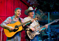 Live music, singing and dancing near Gatlinburg