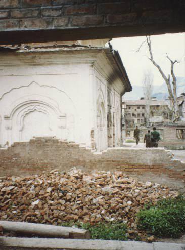 नहेरु की नादानी,३७० की कलम,कश्मीर में हुए बड़े नरसंहार,सरेआम हुए बलात्कार और  आज कां कश्मीर..Article By Naresh K. Dodia