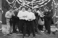 "Кадр из фильма Чарли Чаплина ""Танго-путаница"" (1914) - 17"