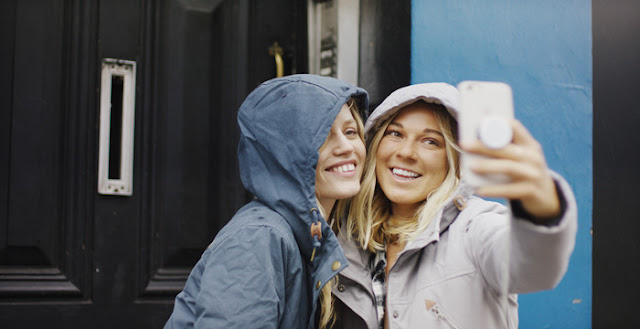 Georgia Jagger and Coco Ho Selfie