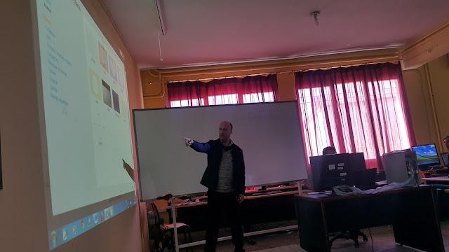 أكاديمية فاس مكناس حول التكوينات الخاصة بمشروع البرمجة المعلوماتية SCRATCH