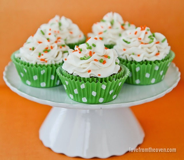 http://www.lovefromtheoven.com/2014/03/26/carrot-cake-cupcakes/