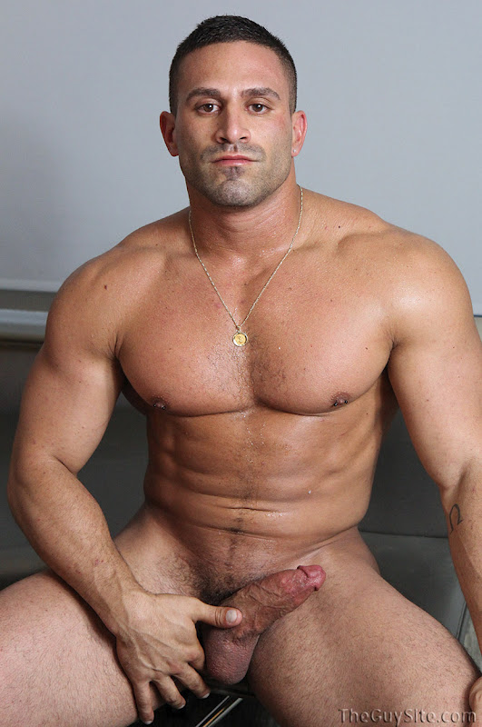 Italian Muscle Vince Jerks Off At The Guy Site   Hairy -5514