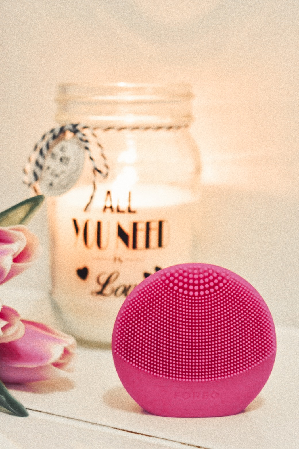 FOREO LUNA fofo smart facial cleansing device