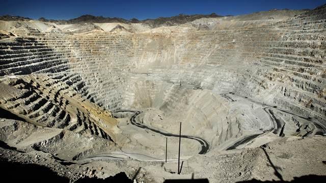 El Gobierno busca modificar la ley de glaciares para favorecer la minería