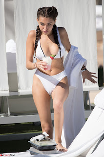 Madison  Enjoying Valentines Day with Her Boy friend on Beach in White Bikini Spicy Pics (9).jpg
