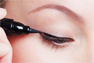 Cara Menghapus Makeup Mata yang Benar dan Aman
