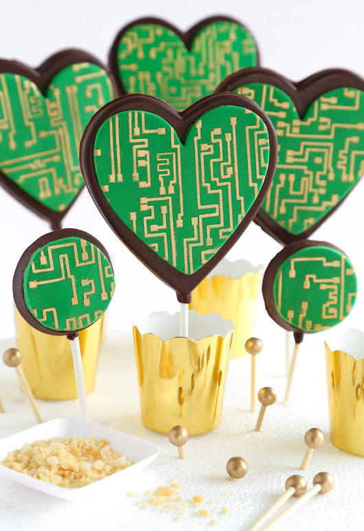 Crackling Circuit Board Chocolate Pops