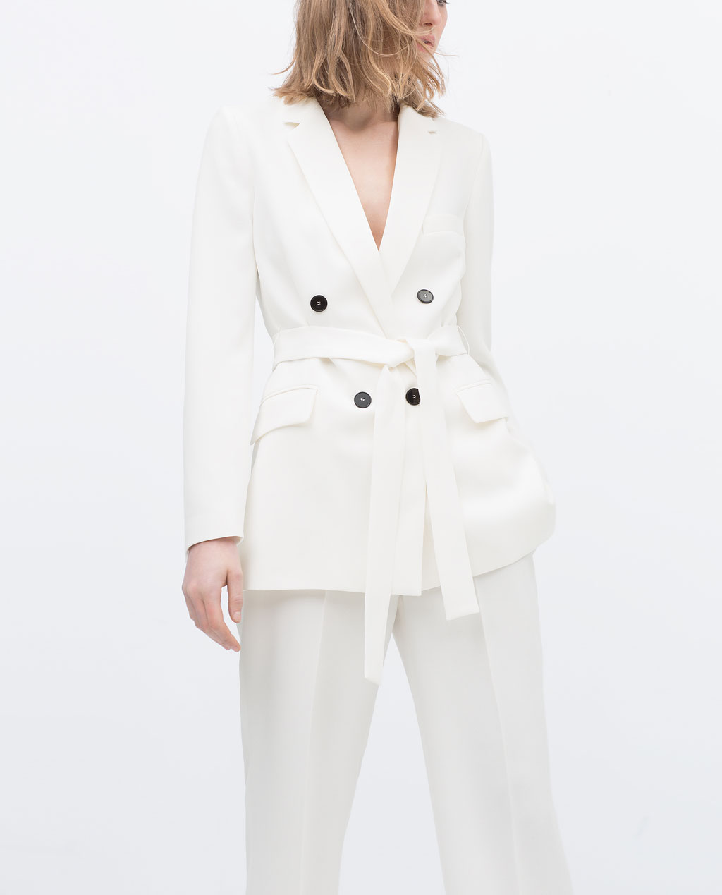 c1388ad710a9 I have been lusting over this Zara belted blazer from the very moment I  laid eyes on it. Despite the love at first sight attraction, i found it  difficult to ...