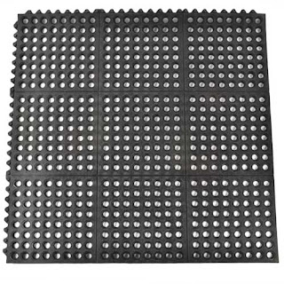Greatmats ring mat wash stall bay mat horses perforated
