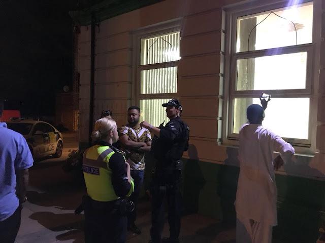 serangan masjid di london