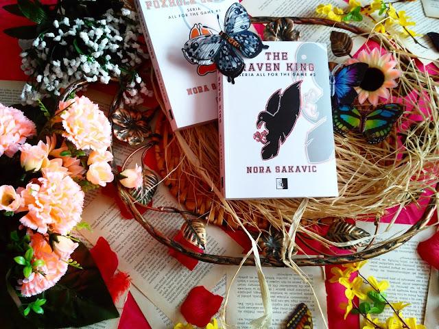 """Tajemnica z przeszłość, nowe konflikty i powrót do gry, czyli recenzja powieści """"The Raven King"""" Nory Sakavic"""
