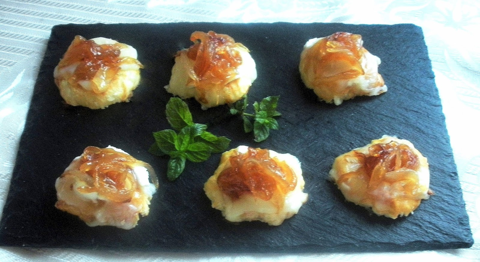 Aqu se cocina bocaditos de queso de cabra con cebolla Cocinar queso de cabra
