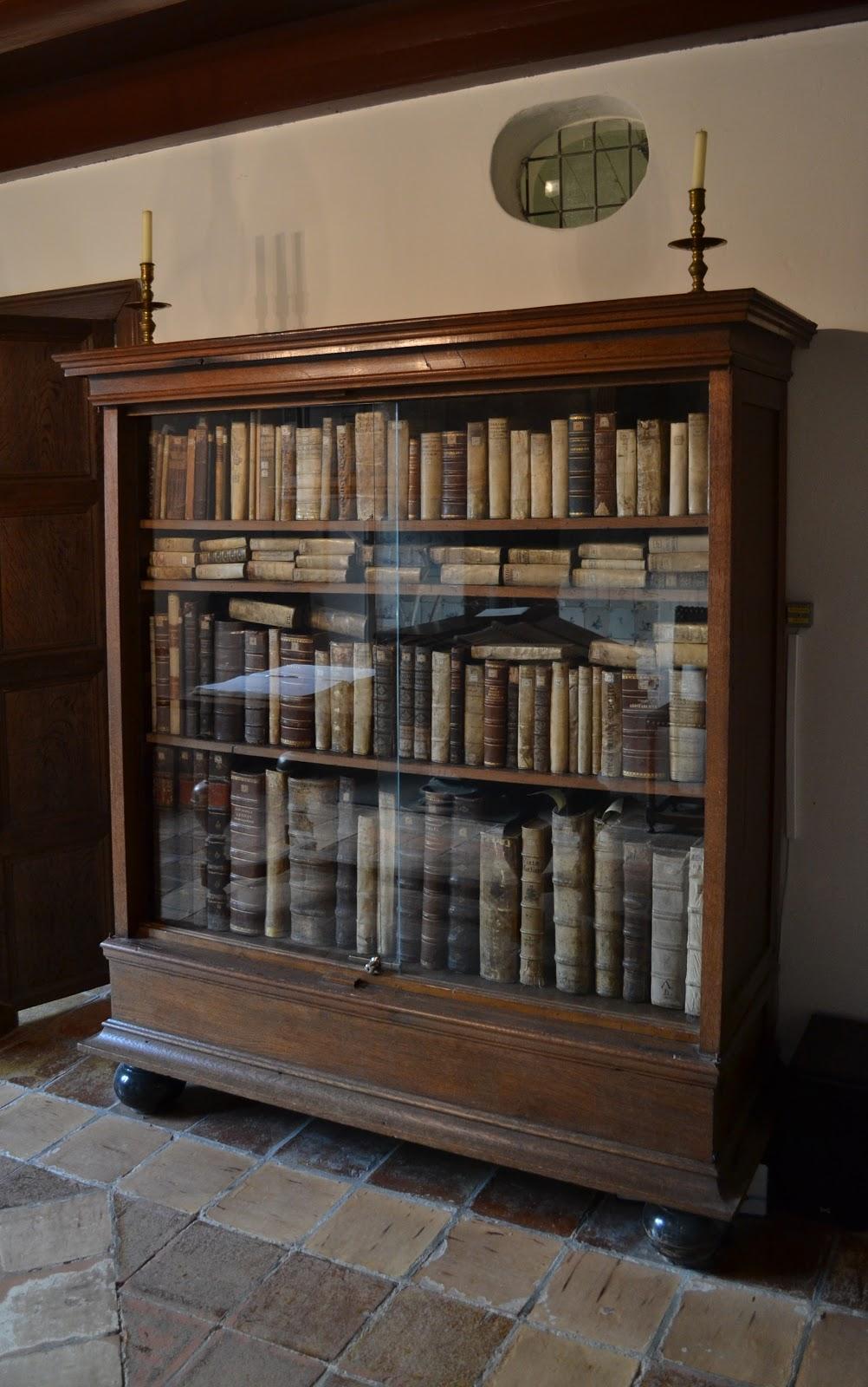 レインスブルクのスピノザの本棚