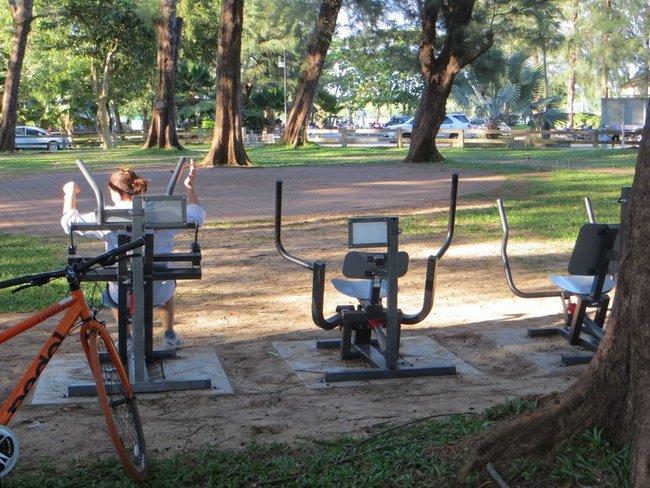 парк в краби таун велотренажеры