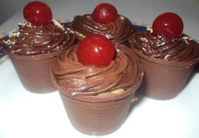 Copinho Surpresa de Chocolate