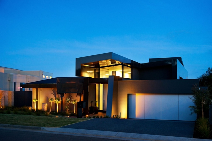 Street side facade lighting in Dream home in black and blue
