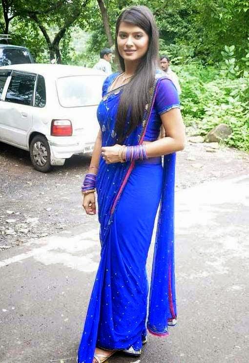 Indian TV Actress Kratika Sengar Hot Hip Navel Stills In Designer Blue Saree