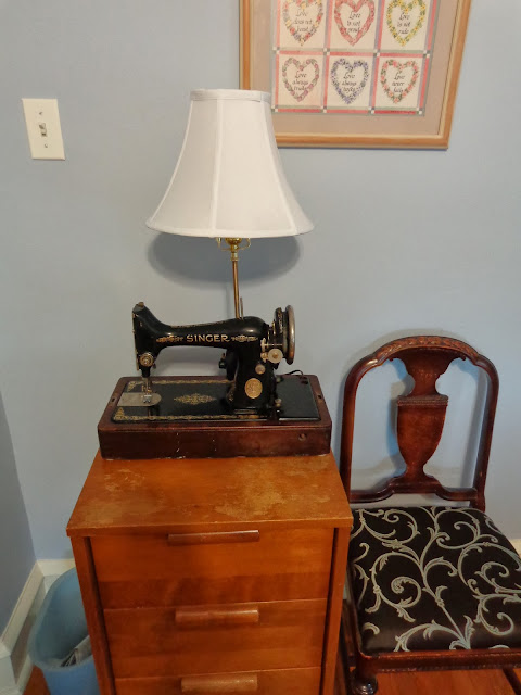 Simply Devine A Vintage Singer Sewing Machine Gets A New Life