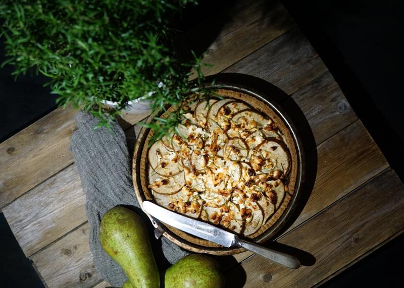 makeansuolainen helppo vuohenjuusto-päärynäpiirakkaresepti