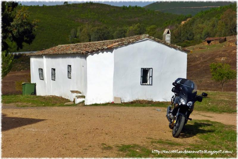 Casetas en Ermita de Belén, Cañamero