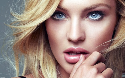Candice Swanepoel Hot Looks