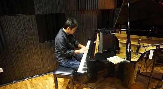 "Dwiki Dharmawan Bawa ""Bubuy Bulan"" ke Jazz Dunia"