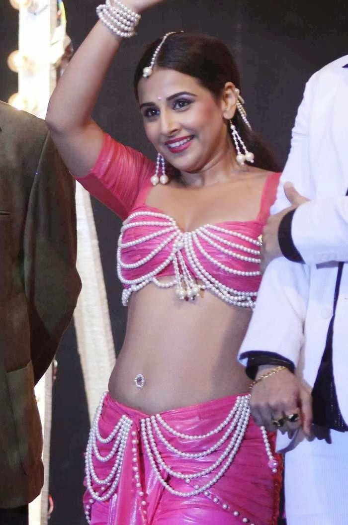Dirty Picture Actress Vidya Balan Sexy Dance Stills - Cap-5421
