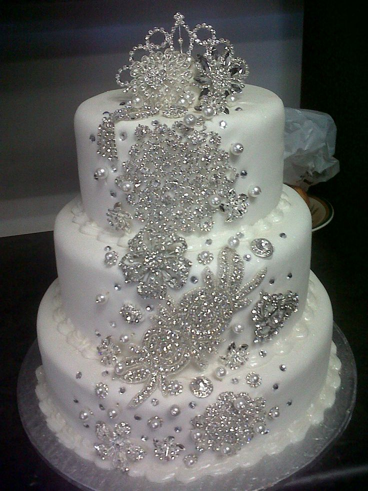 most wanted white wedding cake bling bridal and wedding trend. Black Bedroom Furniture Sets. Home Design Ideas