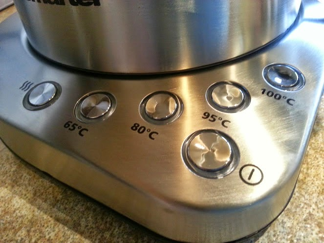 Menkind Smarter Wifi Kettle control buttons on kettle base