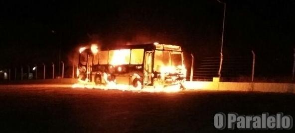 Ataque em Massa: Vândalos incendiam ônibus em Campestre, Tangará e São Paulo do Potengi