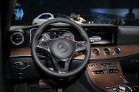 Vô lăng cũ trên Mercedes E200