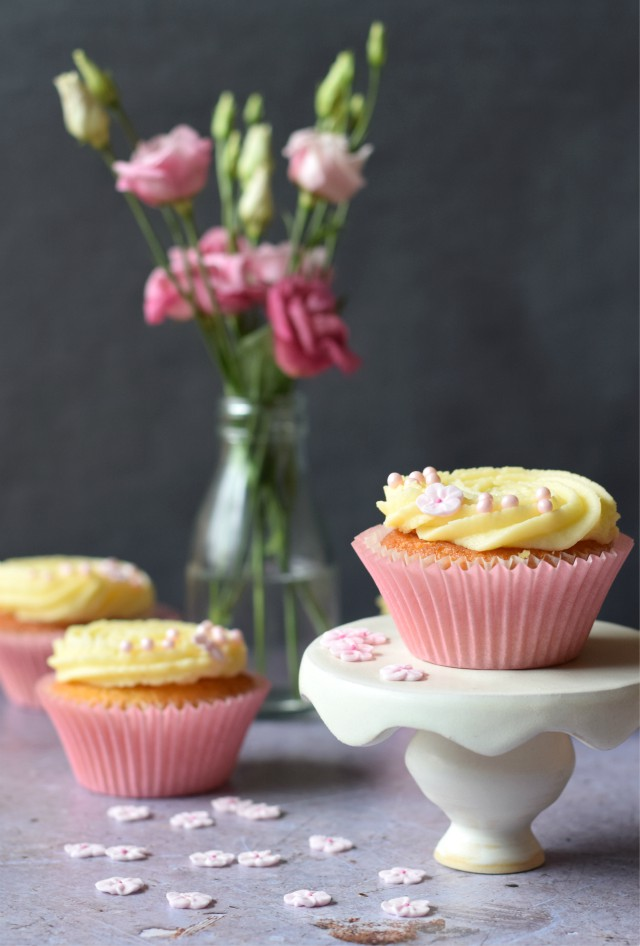 Pretty Lemon & Elderflower Cupcakes