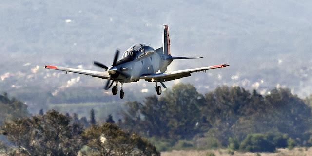 El Ministerio de Defensa de Argentina entrega dos nuevos aviones para la Escuela de Aviación Militar