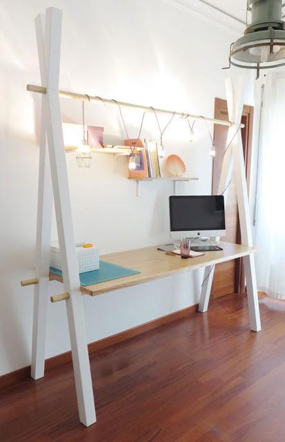 а образный стол, для работы дома
