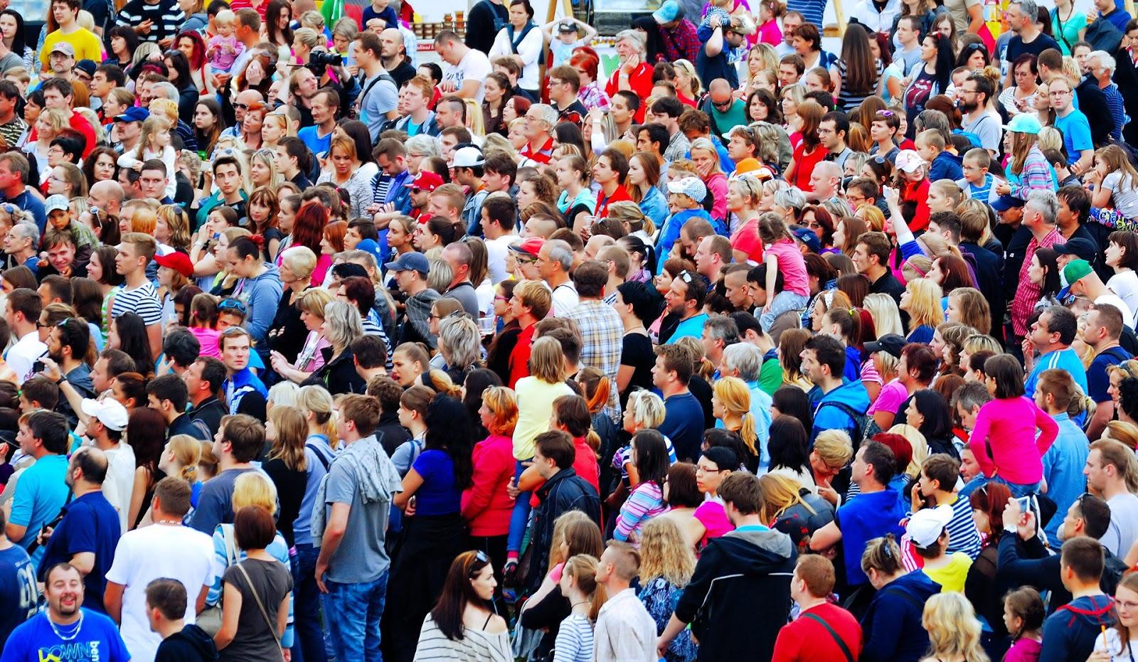 Senza Pagare: O Mito da Superpopulação e a Nova Moralidade
