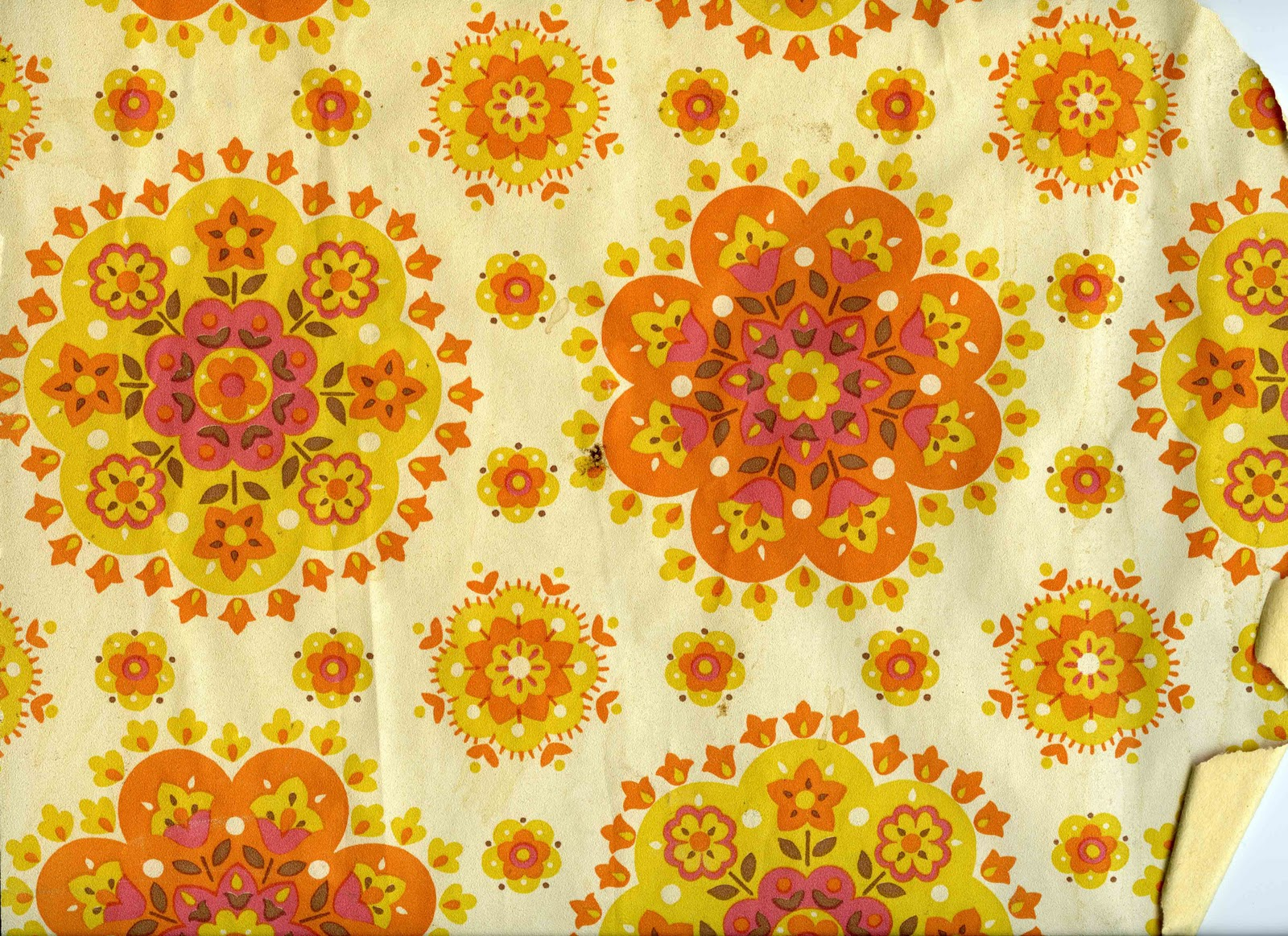 Artolar Blog: A good piece of 60's or 70's wallpaper can liven up any day..