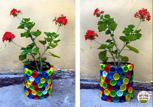M s y m s manualidades 10 usos creativos para las tapas for Ideas faciles para decorar jardines