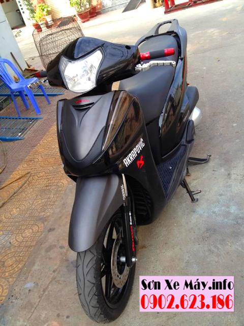 Sơn xe Honda SH 300i màu đen bóng