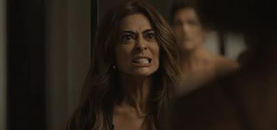 Maria da Paz (Juliana Paes) invadirá o quarto da filha com a arma na mão nesta segunda (19)