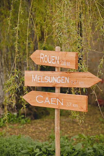 Panneaux directionnels mariage décoration champêtre