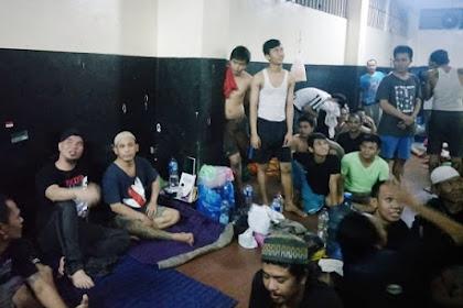 Ditahan di Cipinang, Begini Keakraban Ahmad Dhani Bersama Tahanan; Warganet: Ada Foto Ahok Seperti Ini?