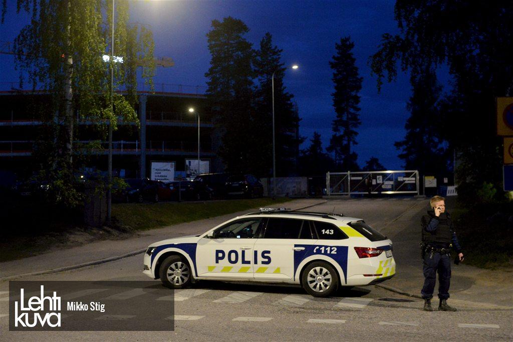 Somijas policijas ekipāža nakts laikā