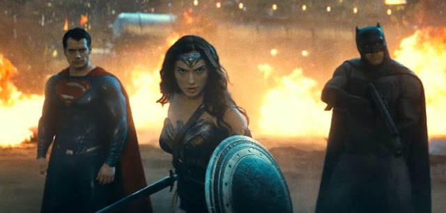 'Batman v Superman: Dawn of Justice' Is a Mess of Awesomeness