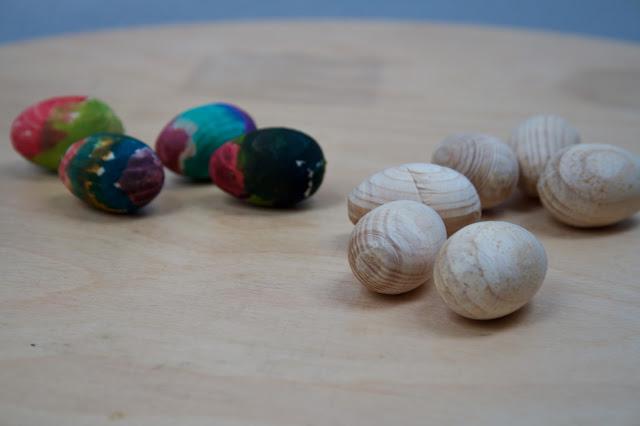 Tvoříme s dětmi - tvoření i pro nejmenší, zdobení velikonočních vajíček barvami, návod na blogu.
