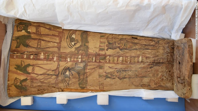Israel returns ancient sarcophagi covers to Egypt